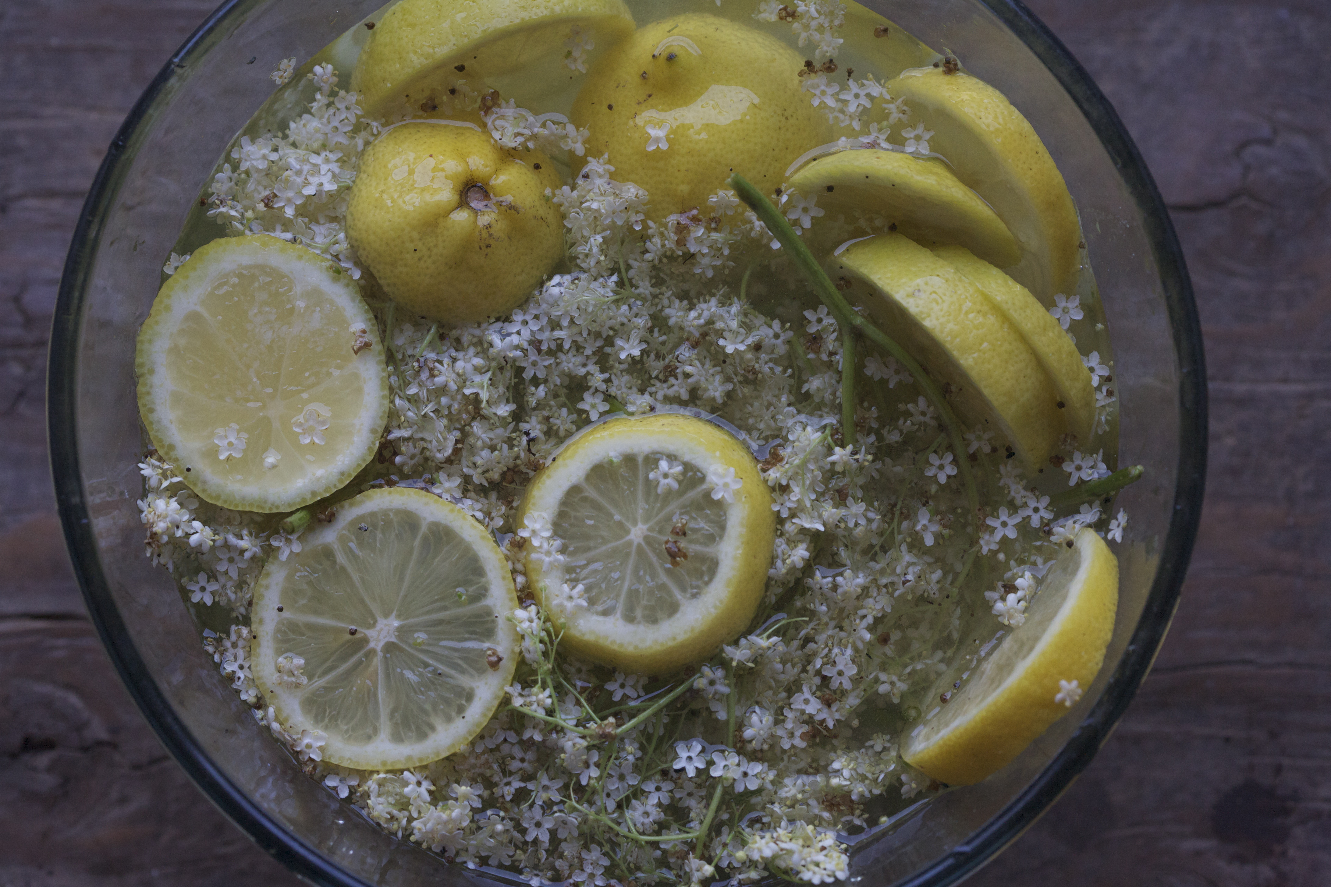 Elderflower cordial recipe dishmaps for Pomegranate molasses sainsburys
