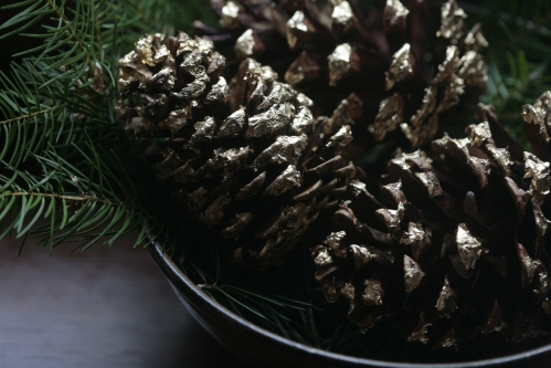 gold leaf pine cones DIY